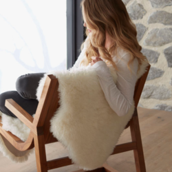Shaggy NZ sheepskin skin large